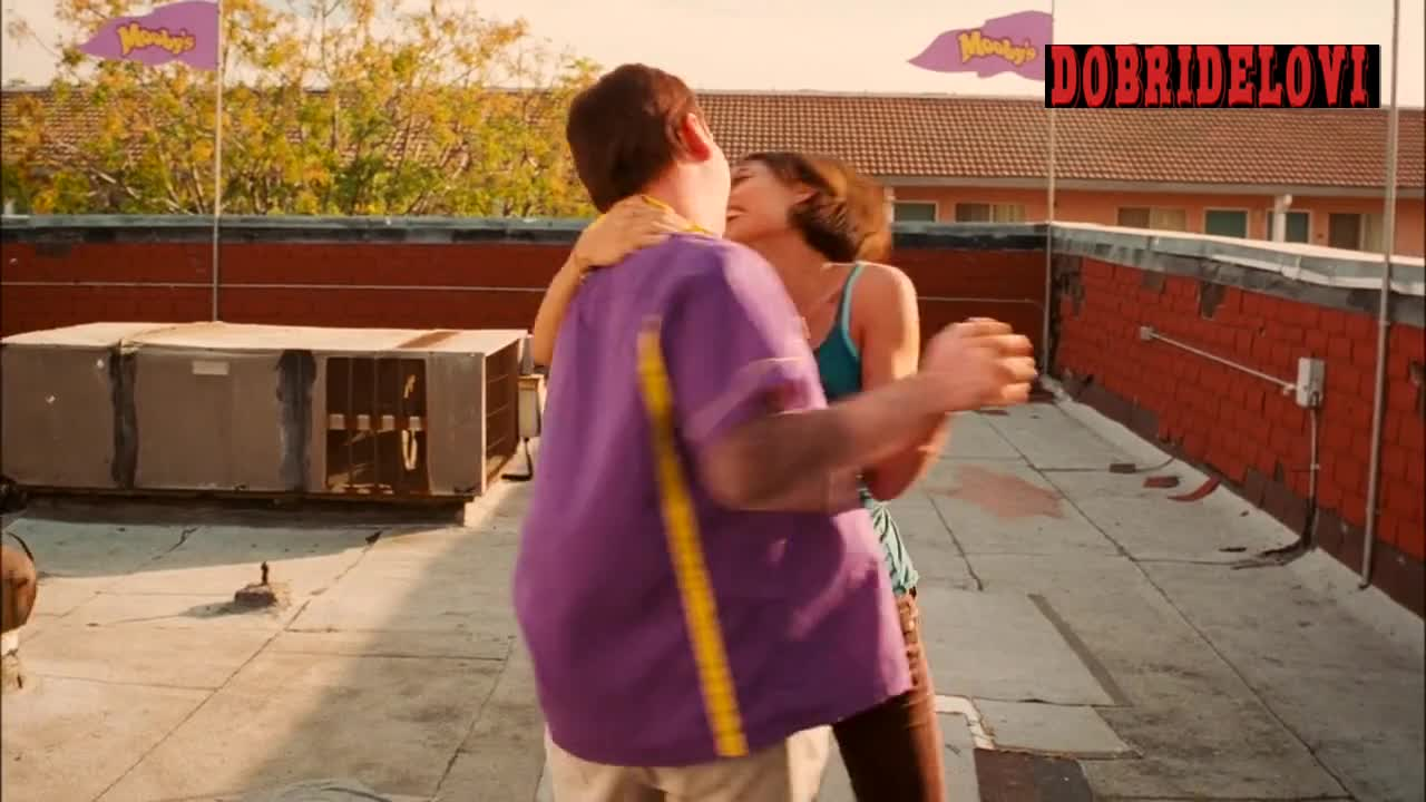 Rosario Dawson dancing with Brian Ohalloran for Clerks 2