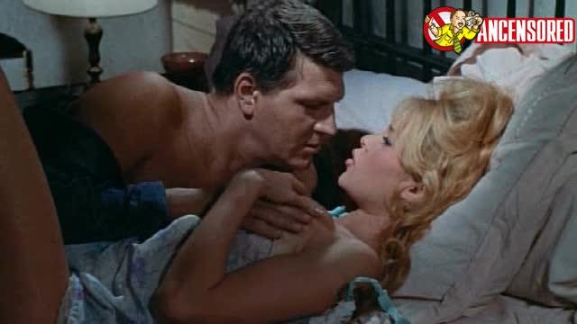 Brigitte Bardot sexy scene - Come Dance with Me