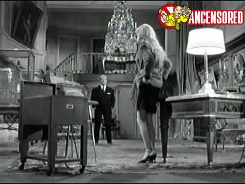 Brigitte Bardot must watch clip