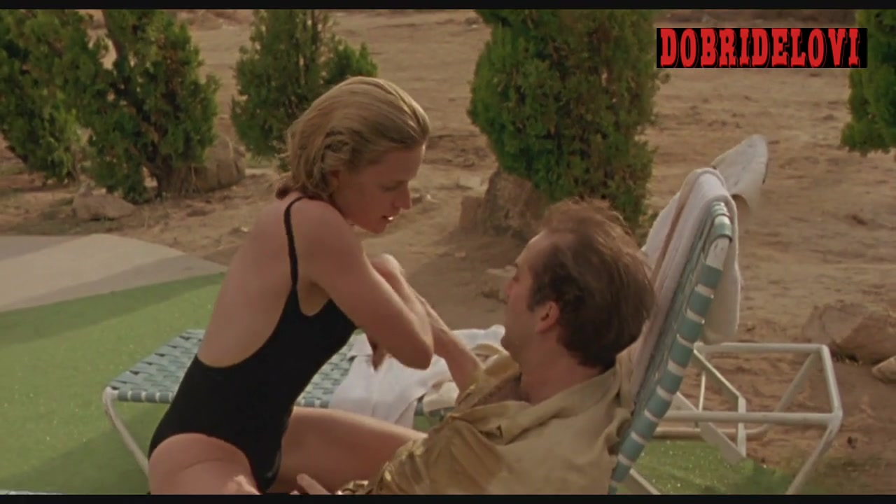 Nicolas Cage drinks tequila from Elisabeth Shue boobs in Leaving Las Vegas