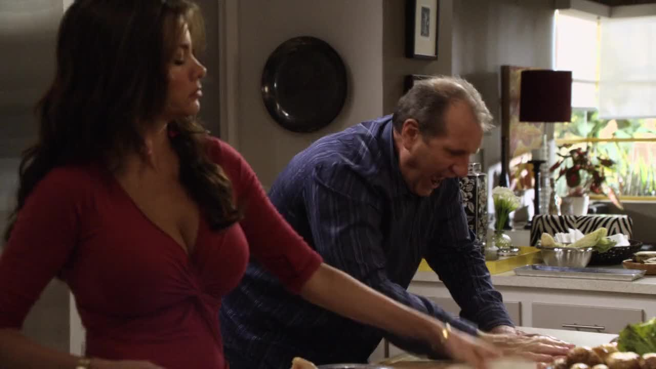 Sofia Vergara makes Ed Oneill slap the meat