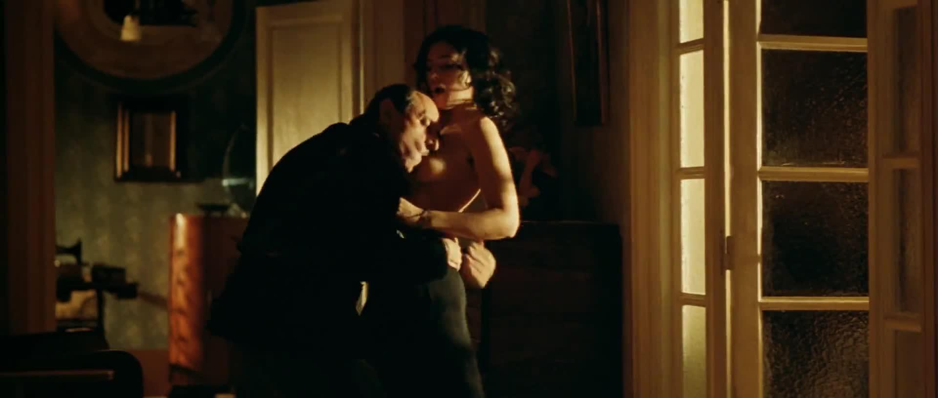 Monica Bellucci screentime in Mal