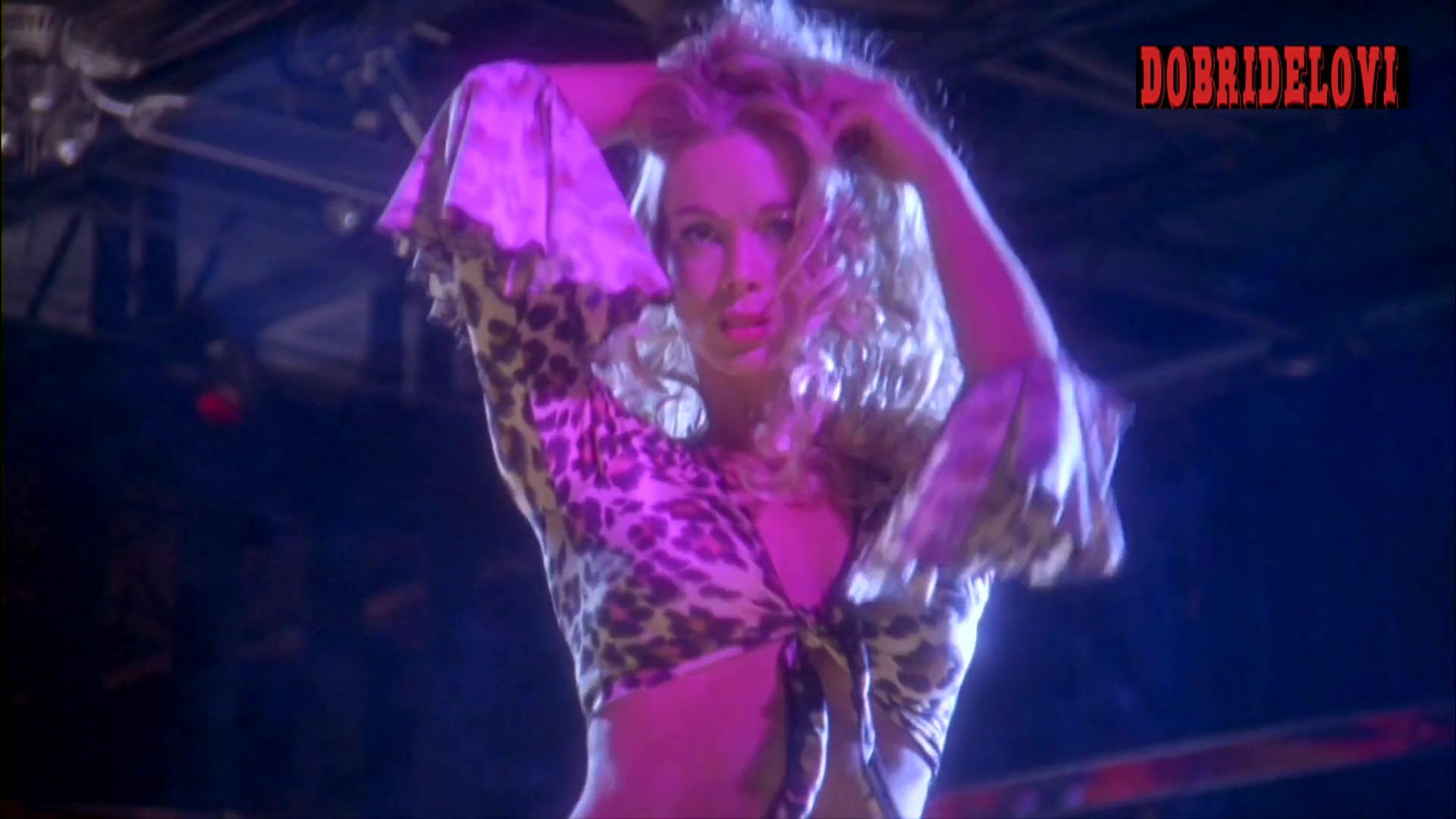 Jennifer Gareis sexy dance in strip club -- Luckytown