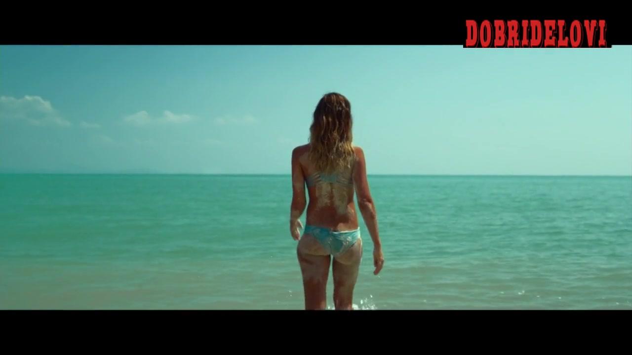 Jessica Alba sexy bikini beach scene with Jason Statham
