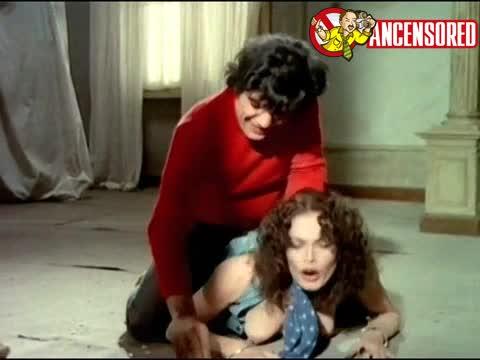 Martine Beswick scene from Ultimo tango a Zagarolo