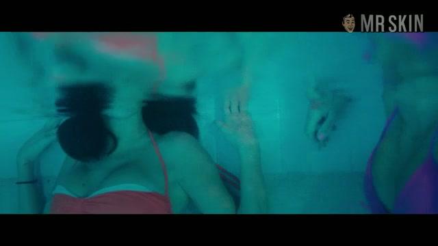 Selena Gomez sexy scene - Spring Breakers