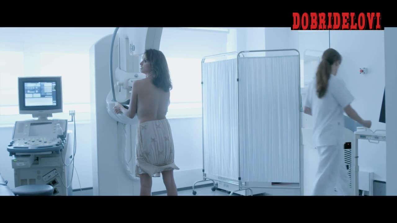Penelope Cruz uses the mammogram machine scene