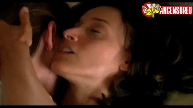 Marlee Matlin screentime - The L Word