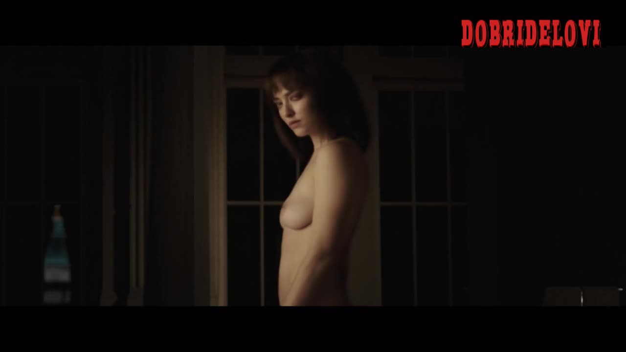 Amanda Seyfried naked in Clive Owen's dream