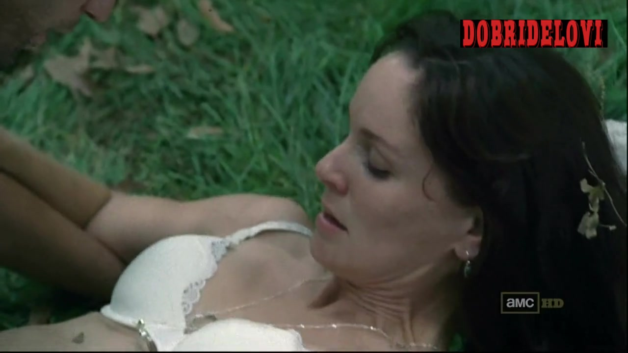 Sarah Wayne Callies sex on grass scene from The Walking Dead