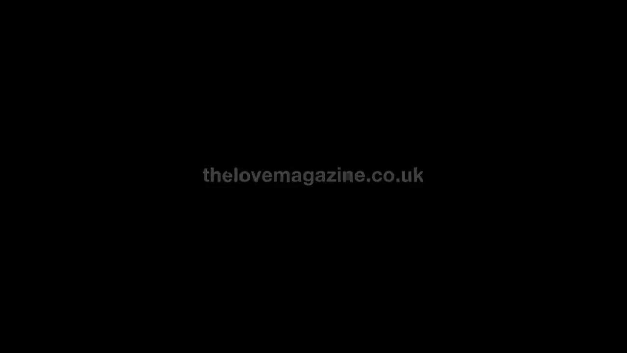 Daisy Lowe looks fantastic - love advent