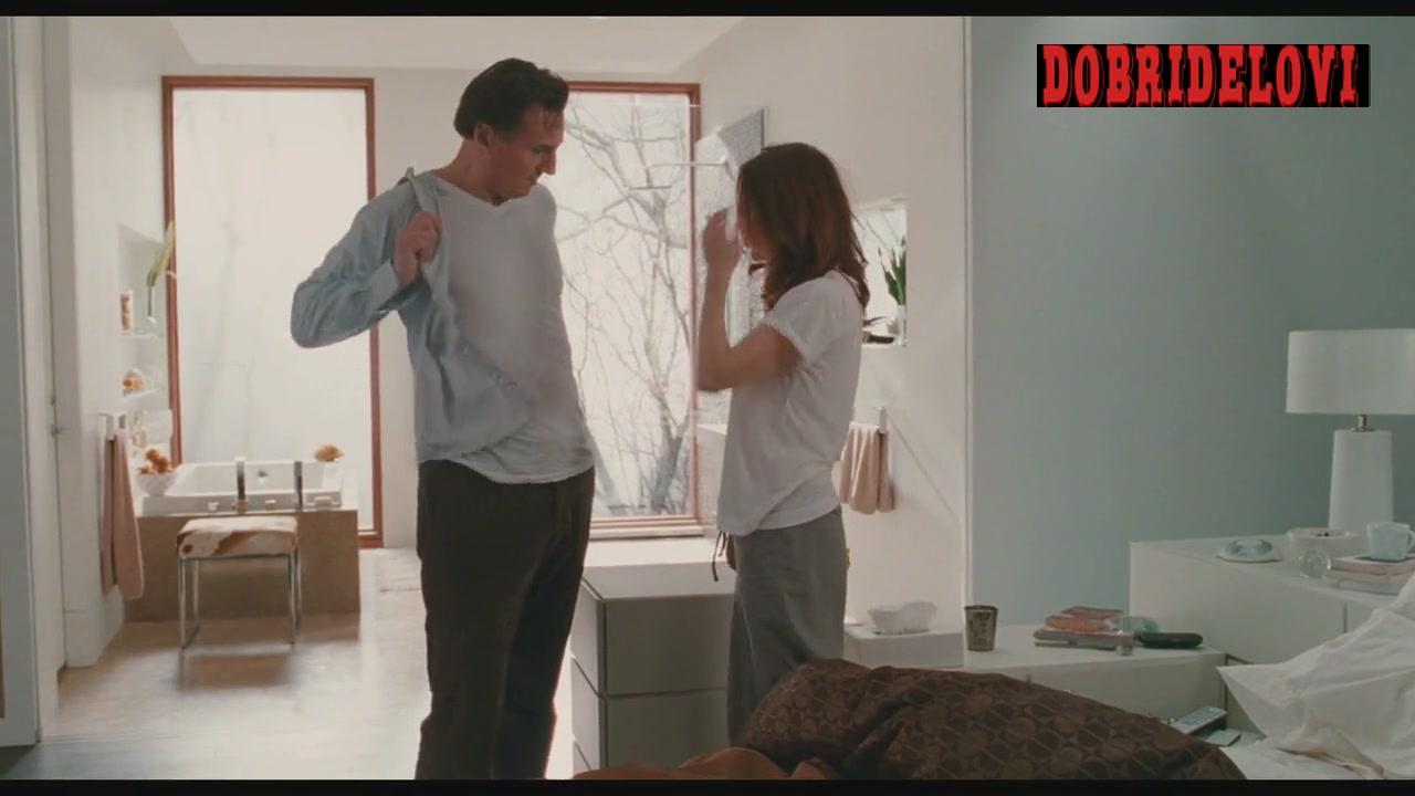 Julianne Moore pokies scene in Chloe