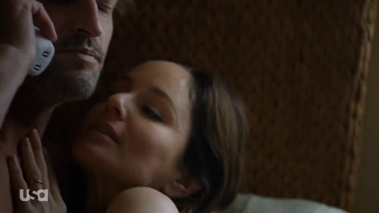 Sarah Wayne Callies rolls in bed with Josh Holloway for Colony