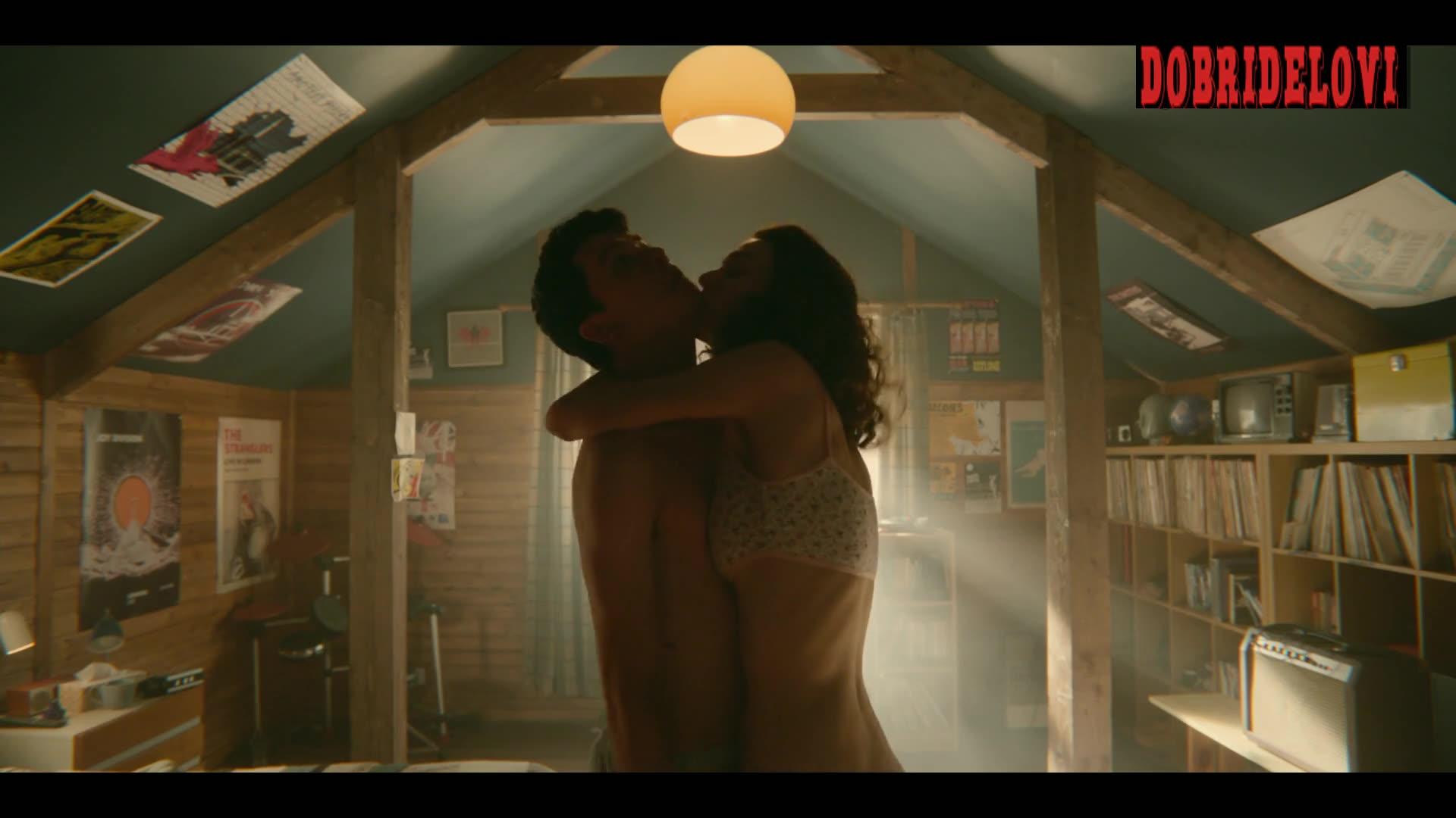 Tanya Reynolds sexy white bra scene in Sex Education