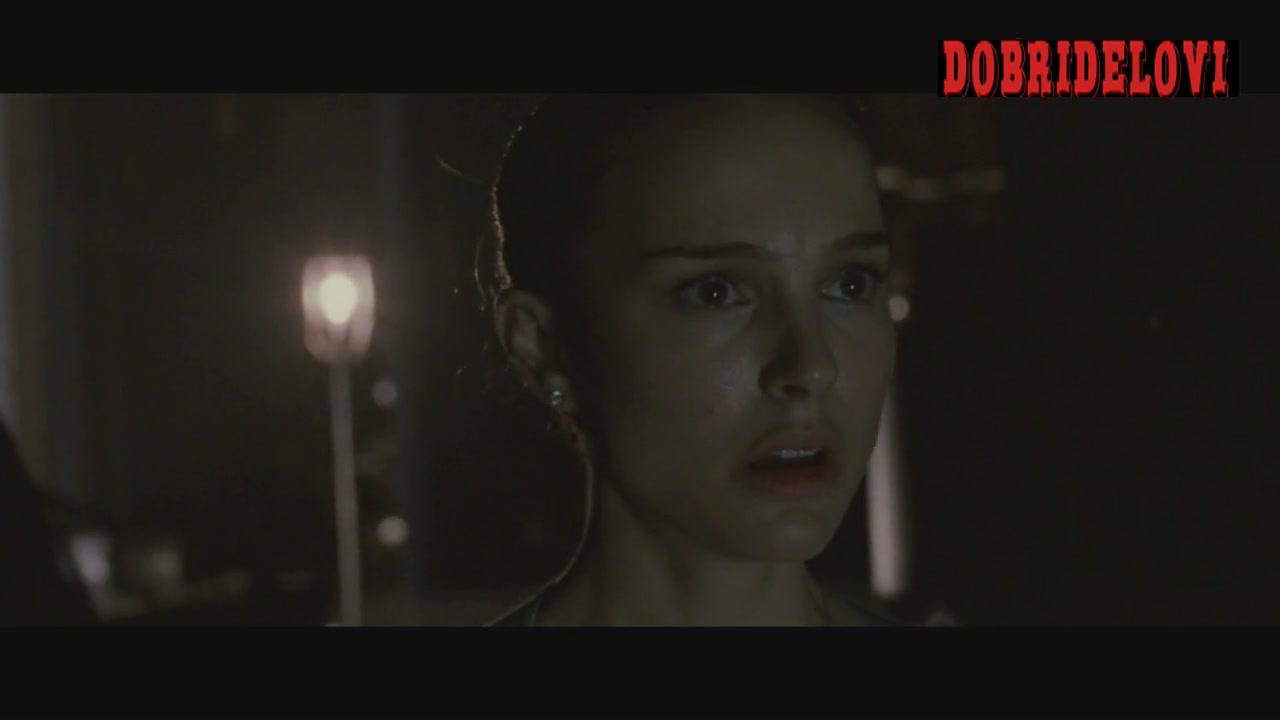 Natalie Portman catches Mila Kunis banging dude -- Black Swan
