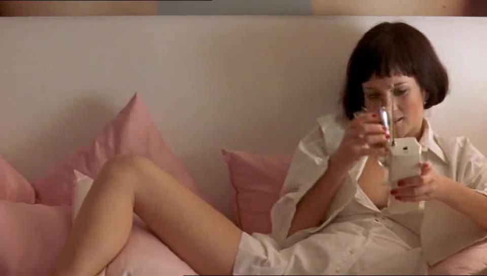 Anna Friel scene from Me Without You