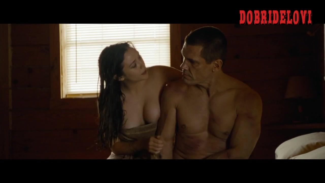 Elizabeth Olsen rolls with Josh Brolin in Oldboy