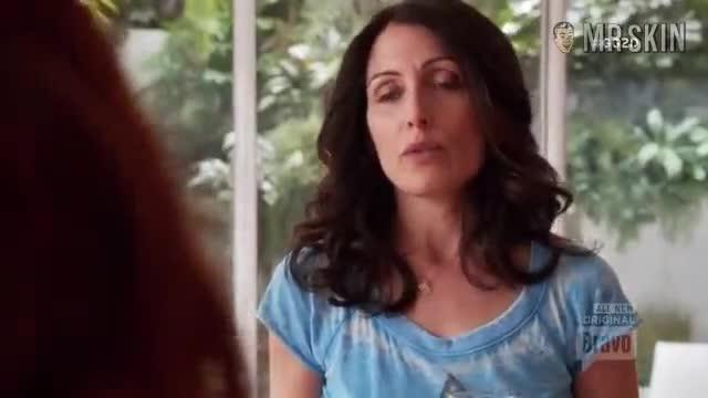 Lisa Edelstein scene - Girlfriends Guide to Divorce