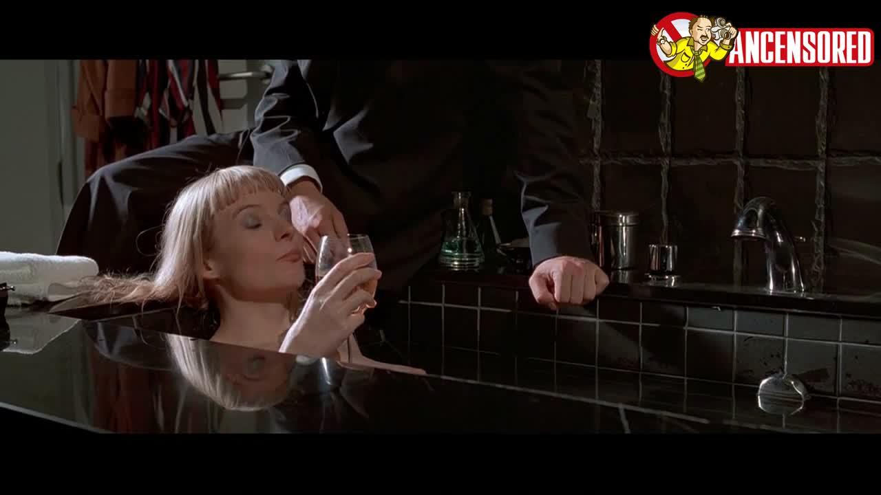 Cara Seymour sexy scene - American Psycho