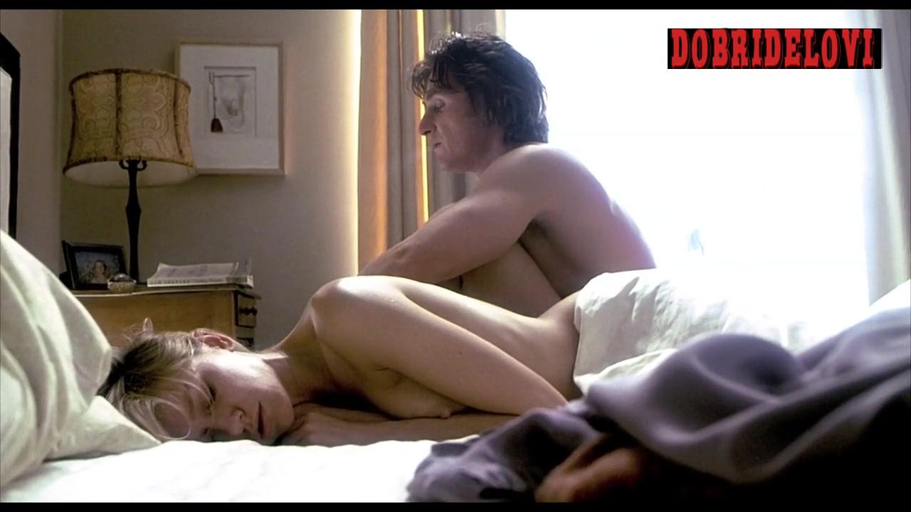 Naomi Watts sleeping with boob out while Sean Penn watches