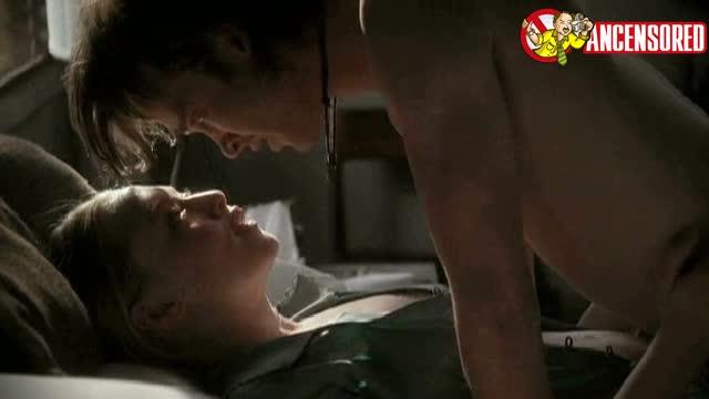 Amanda Seyfried looks fantastic - Big Love