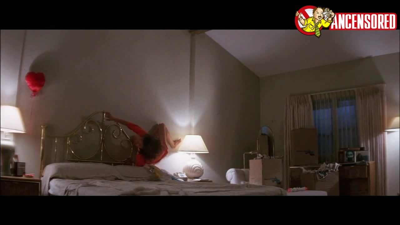 JoBeth Williams sexy scene in Poltergeist