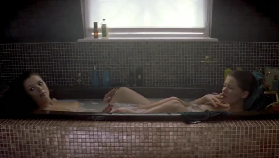 Anna Friel looks fantastic - Me Without You