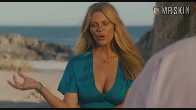 Brooklyn Decker must watch clip - Just Go with It
