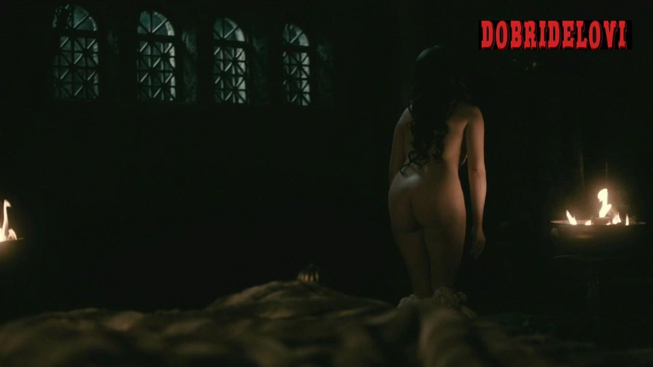 Jennie Jacques undressing scene for Vikings
