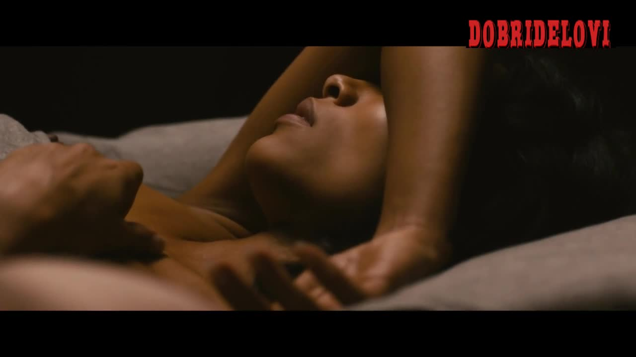 Rosario Dawson sleeping nude with tip out
