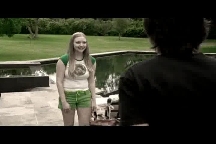 Amanda Seyfried looks fantastic in Veronica Mars