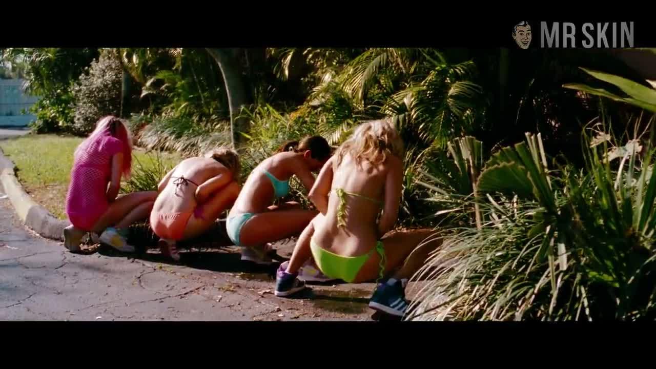 Ashley Benson sexy scene - Spring Breakers