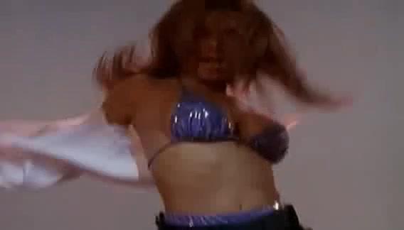 Carmen Electra scene in Baywatch