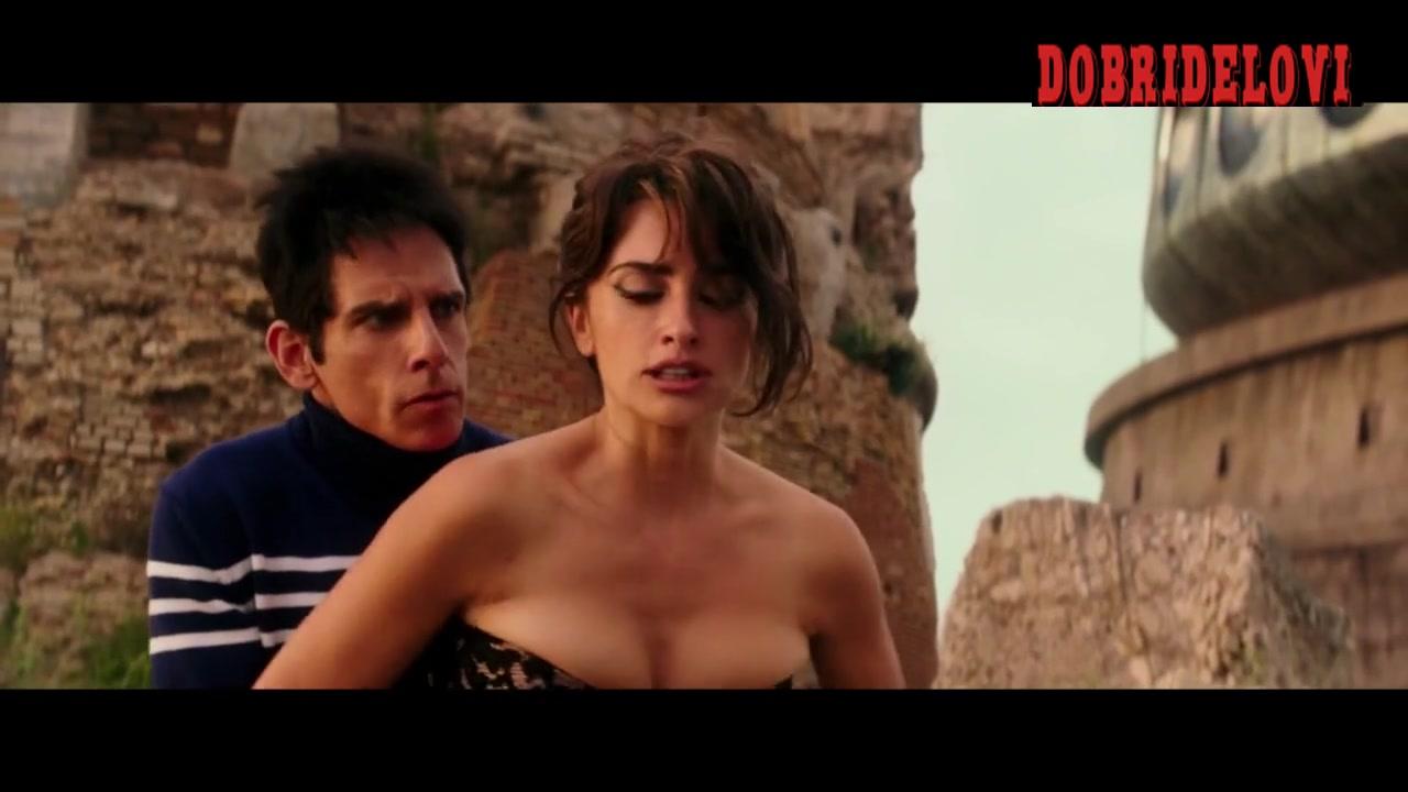 Penelope Cruz boob grabbed by Ben Stiller in Zoolander 2