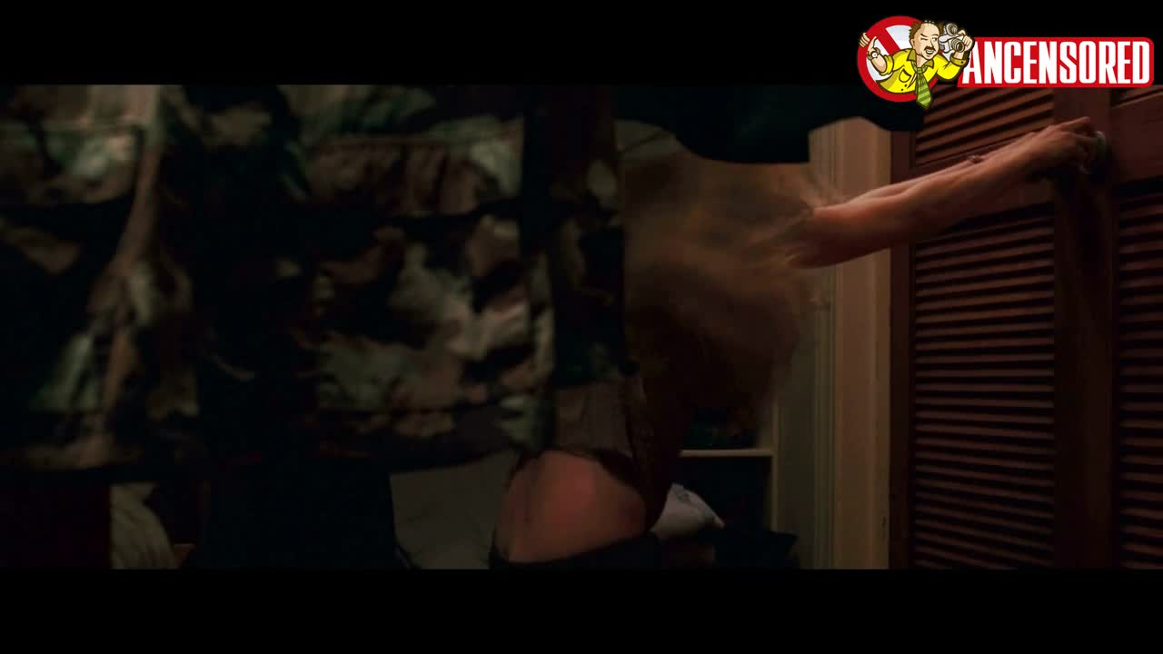 Amanda Seyfried sexy scene from Dear John