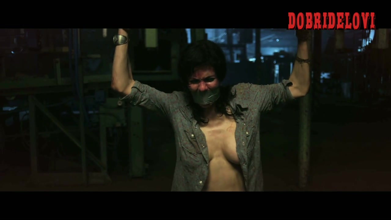 Alexandra Daddario tortured in Texas Chainsaw 3D