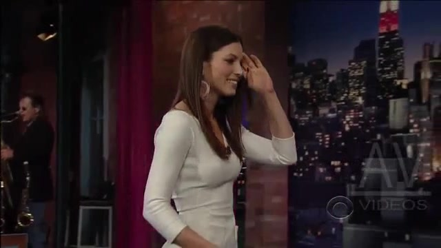 Jessica Biel looks fantastic in Late Show with David Letterman