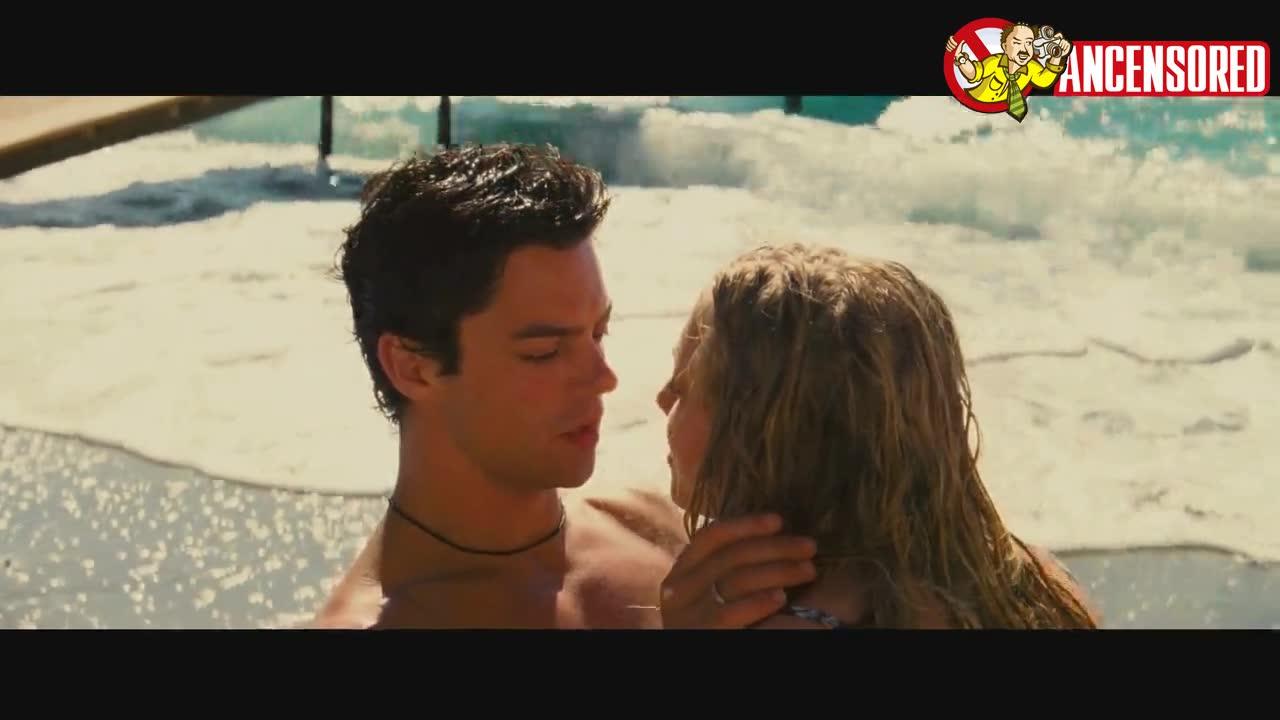 Amanda Seyfried screentime - Mamma Mia