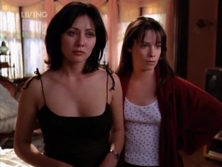 Shannen Doherty must watch clip from Charmed