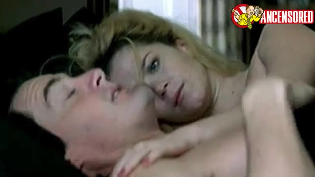 Anna Friel sexy scene in Me Without You