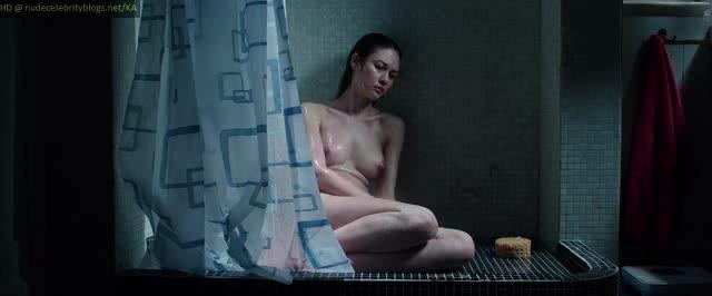Olga Kurylenko sexy scene - La corrispondenza