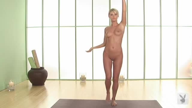 Sara Jean Underwood sexy scene