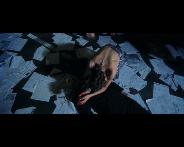 Jennifer Garner sexy scene from Daredevil