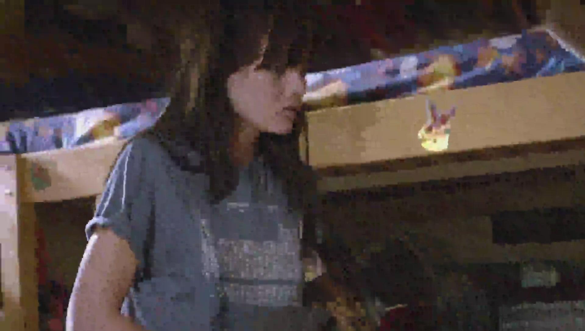 Emma Greenwell scene in Shameless_75