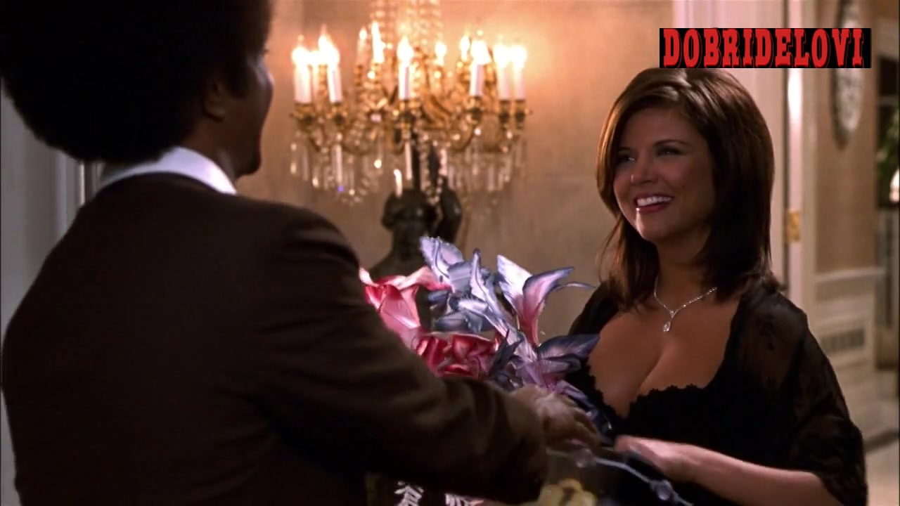 Tiffani Amber Thiessen sexy cleavage answering the door -- The Ladies Man