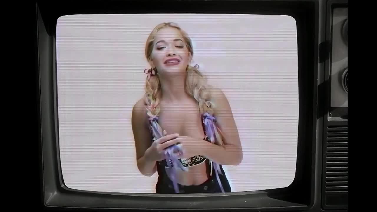 Rita Ora looks fantastic from love advent