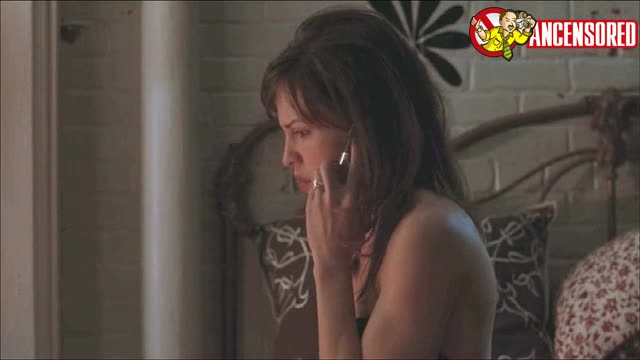 Hilary Swank must watch clip from P S I Love You