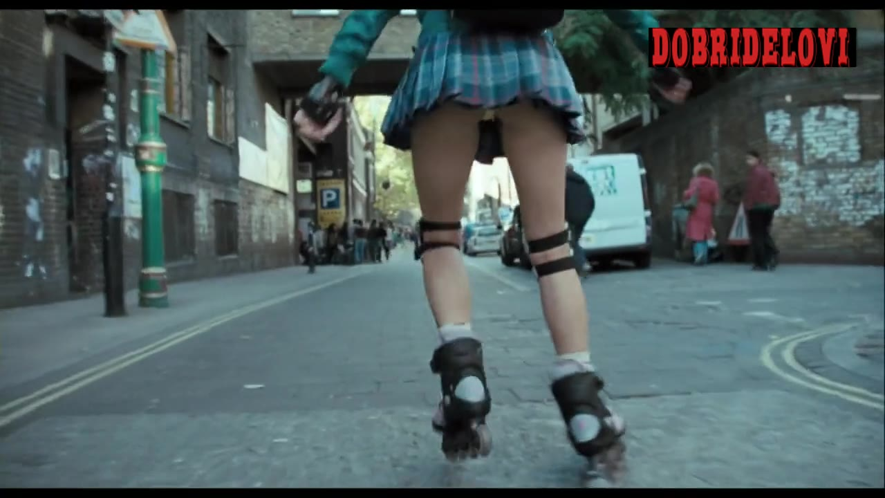 Amanda Seyfried sexy rollerblading scene from Boogie Woogie