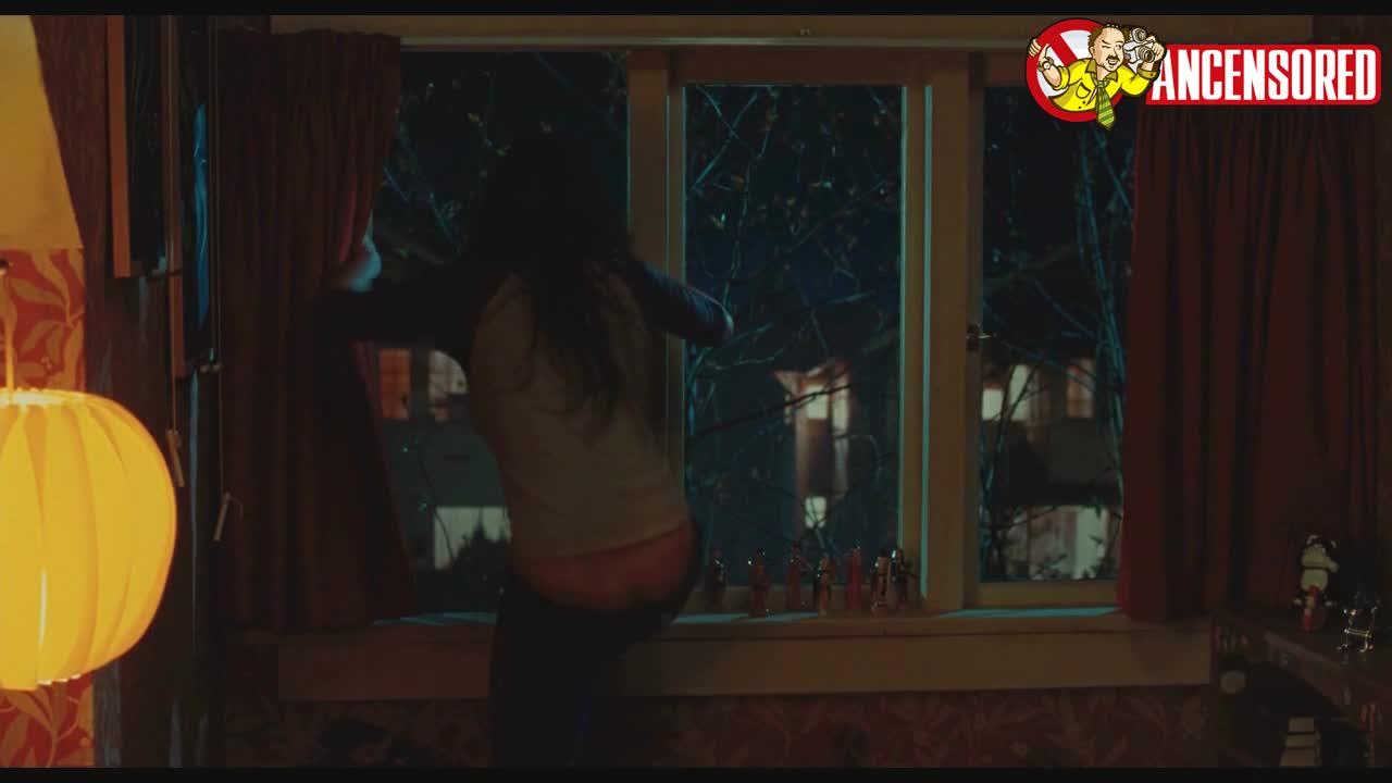 Megan Fox must watch clip from Jennifer s Body