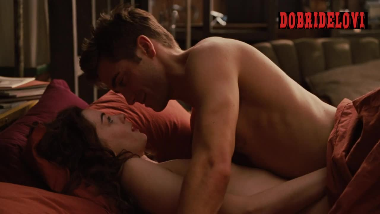 Anne Hathaway attempts BJ at limp Jake Gyllenhaal
